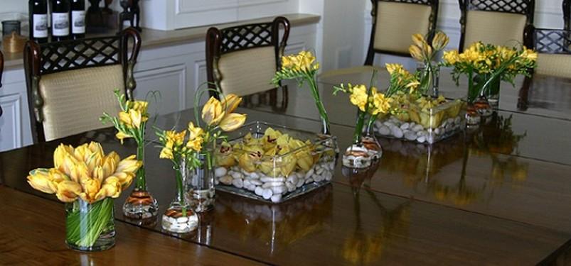 Композиции из искусственных цветов для стола